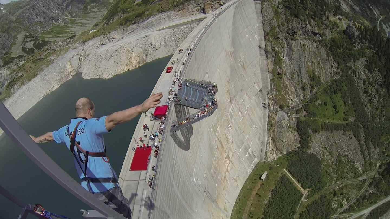 Bungee Jumping Kölnbreinsperre in Kärnten, Österreich